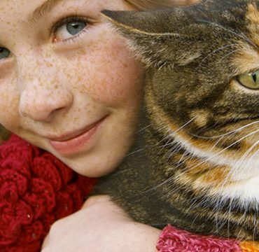 Inspire Alberta Girl with Cat